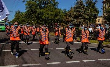 Вперше у Дніпрі на День міста відбувся парад комунальної техніки