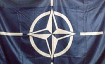 Политические силы Днепропетровска требуют проведения референдума по вопросу вступления Украины в НАТО