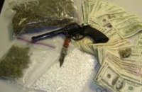Днепропетровские правоохранители ликвидировали ОПГ, промышлявшую наркотиками