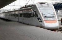 Укрзалізниця открыла предварительную продажу билетов на 24 летних поезда