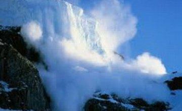 МЧС предупреждает о снежных лавинах в Карпатах на Старый Новый год