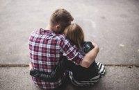 Женщины выбирают партнеров, похожих на своих братьев, - ученые