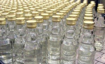 В Днепре в гараже производили фальсифицированный алкоголь, представляющий опасность для жизни