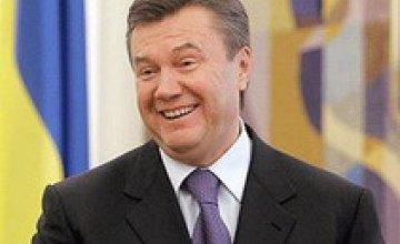 Патриарх Кирилл наградил Виктора Януковича