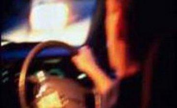 «Опель» врезался в электроопору: 2 человека погибли