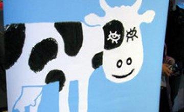 В Днепропетровске откроется выставка плаката из коллекции Международного фестиваля дизайна «Корова!!!!»