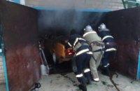 На Днепропетровщине при невыясненных обстоятельствах сгорел гараж (ФОТО)