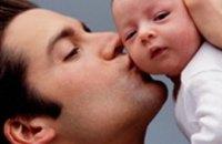 Отцов обязали забирать новорожденных из роддомов