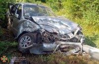 На Днепропетровщине столкнулись Volkswagen и Daewoo Lanos: пятеро пострадавших (ВИДЕО)
