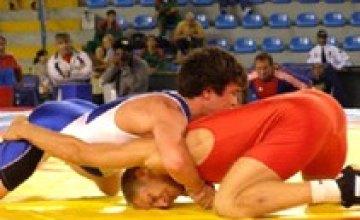 Днепропетровец Владимир Шацких занял 1 место на Олимпийском отборочном турнире по греко-римской борьбе