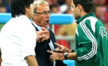 Судья отстранил тренера сборной Германии