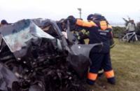 На Набережной Chevrolet врезался в столб: погибли три человека