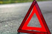 На трассе под Днепром столкнулись два автомобиля: пострадали пять человек, двое из них - дети