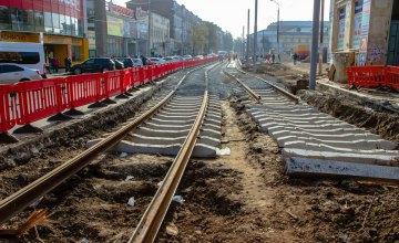 У Дніпрі разом із реконструкцією пам'ятника архітектури капітально ремонтують трамвайну колію