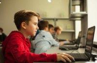 Юных компьютерных гениев воспитываем в 8 школах робототехники, - Валентин Резниченко