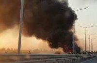 В Днепропетровской области на ходу загорелась фура (ВИДЕО)
