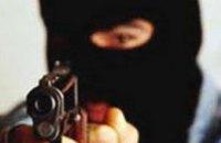 В Кривом Роге неизвестный совершил вооруженный налет на АЗС
