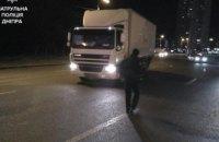 В Днепре водитель грузовика на пешеходном переходе сбил женщину (ФОТО)