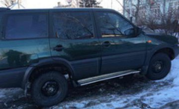 В Днепре полиция задержала водителя с поддельными документами на машину
