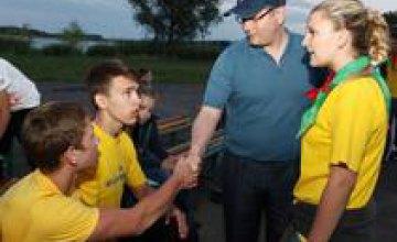 Объединяя волонтеров для поддержки людей из зоны конфликта, Фонд «Украинская перспектива» объединяет страну, - Александр Вилкул