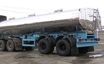 Под Днепропетровском перевернулся грузовик, предположительно перевозивший аммиак