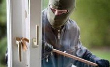 В Днепропетровской области полиция охраны задержала вора, взломавшего магазин