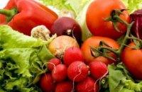 В Днепре к реализации не допустили 500 кг ранних овощей и фруктов с высоким содержанием нитратов