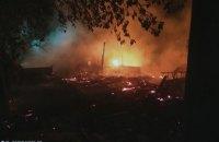 В Днепропетровской области от возгорания сухой травы, сгорело 3 сарая и летняя кухня