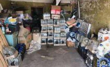 Житель Никополя организовал семейный бизнес по изготовлению и реализации фальсифицированного алкоголя