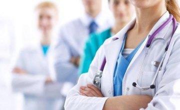 114 школ Днепра полностью обеспечены медицинским персоналом, - Андрей Бабский