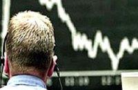 Курс доллара не успевает за падением фондовых рынков США