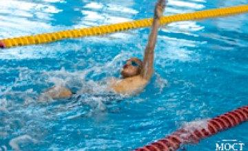 В СК «Метеор» стартовал городской чемпионат по плаванию среди юниоров