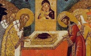 Сегодня православные почитают Положение честного Пояса Пресвятой Богородицы