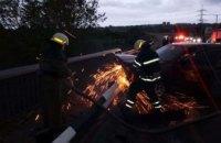 На Днепропетровщине автомобиль врезался в отбойник: водитель госпитализирован