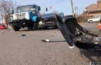 ДТП в Кривом Роге: столкнулись грузовик и легковушка (ФОТО)