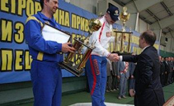 В Днепропетровске завершились соревнования спецслужб стран СНГ по рукопашному бою и стрельбе