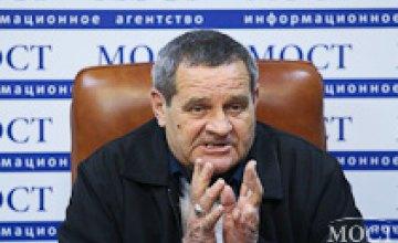 Порошенко наградил орденом «За мужество» водителя маршрутки, который пытался задержать убийцу днепровских патрульных