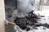 Под Днепром мужчина сгорел в железном вагончике (ФОТО)