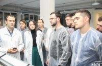 Bauer`s Implants провели экскурсию по заводу дентальных имплантатов для врачей стоматологической клиники Amel Dental Clinic