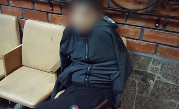 На Днепропетровщине хулиган с ножом напал на женщину: пострадавшая госпитализирована