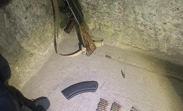 Выстрелил по неосторожности: солдат прямо на посту застрелил товарища из ружья