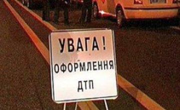 На перекрестке Чернышевского и Гончара Mercedes врезался в «Скорую» - погибла врач (ДОБАВЛЕНО ФОТО)