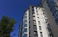 В Днепре на ж/м Победа женщина выпала из окна новостройки на 7-м этаже