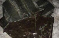 В Днепре «охотник за металлом» разбирал металлическую крышу частного здания