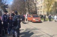 Распыление неизвестного вещества: в одной из больниц Днепре эвакуированы пациенты и персонал (ФОТО)