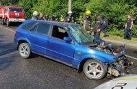 В Днепре на Космической столкнулись BMW и Mazda: есть пострадавшие (ФОТО)