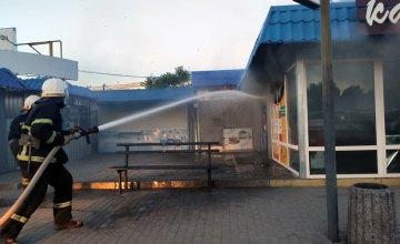 4 холодильника, кондиционер и телевизор: на Днепропетровщине сгорел торговый павильон