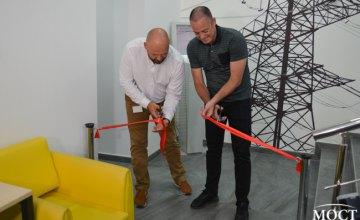 В Каменском открыли обновленный Центр обслуживания клиентов ДТЭК Днепровские электросети (ВИДЕО)