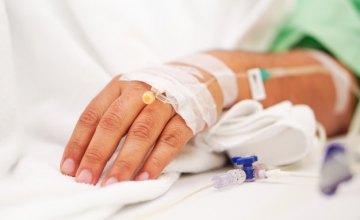 В Днепре из больницы Мечникова выписали первую пациентку, поборовшую COVID-19