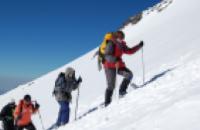 Спасатели нашли украинцев, сорвавшихся с Эльбруса: оба альпинисты живы